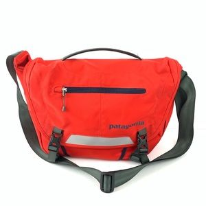 ☮️ Patagonia bright red messenger bag canvas